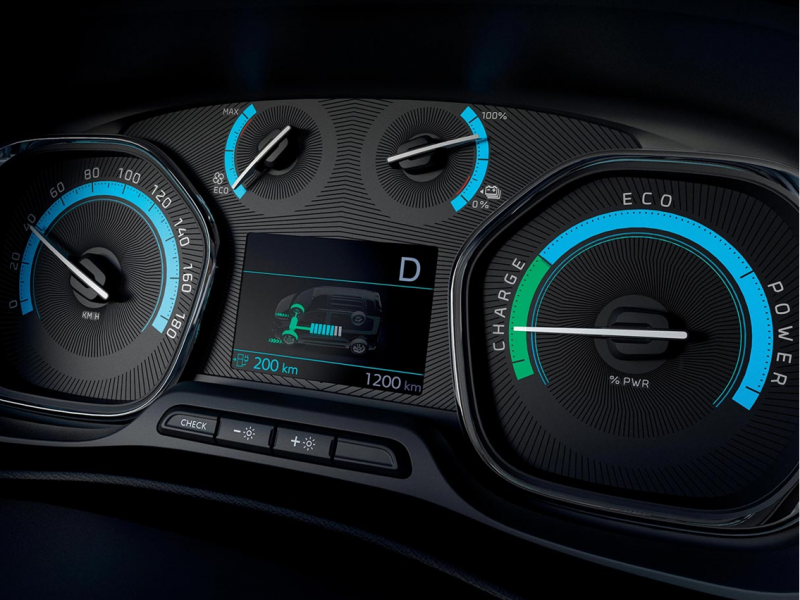 Peugeot Expert 50kWh dc e-expert long premium 100kW aut  elektrisch
